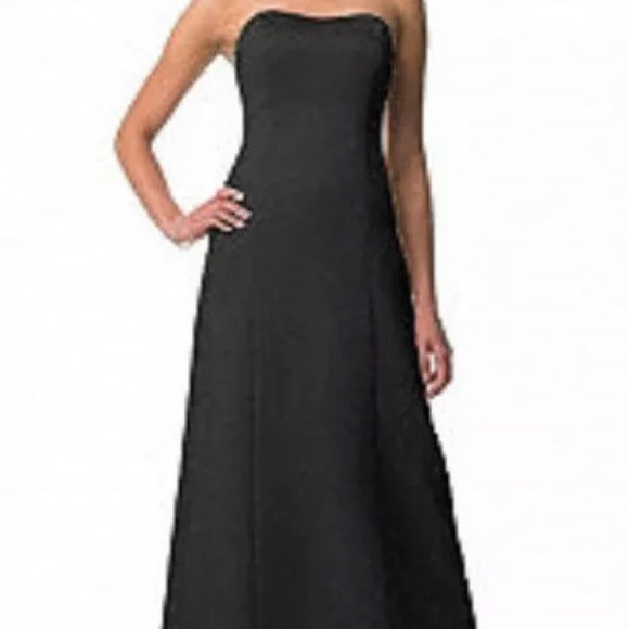 David's Bridal. Black. Sweetheart neckline.Size 16